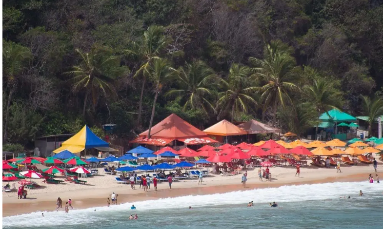 Praia do Madeiro: o que fazer lá