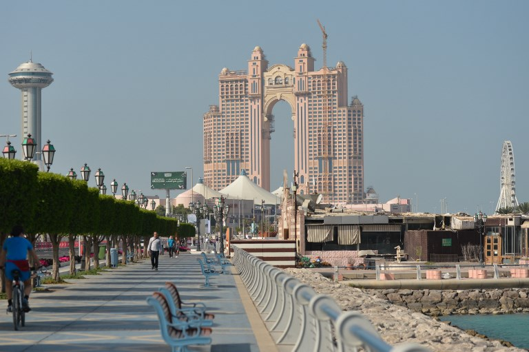 Abu Dhabi: Um dos paraísos sobre os Emirados Árabes